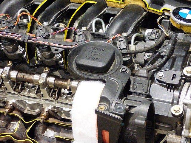 silný motor