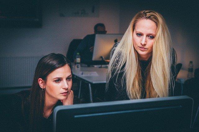 Co brání ženám v podnikání?